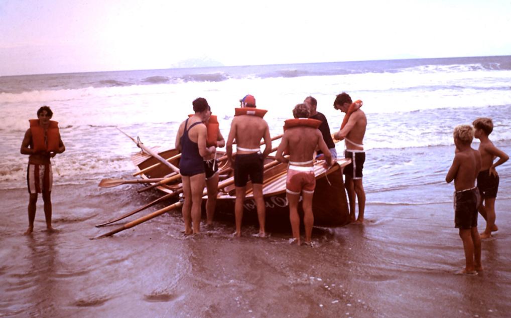 junior surfboat crew1