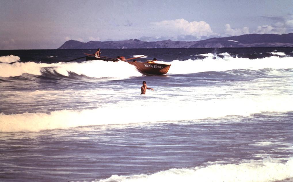 junior surfboat crew2